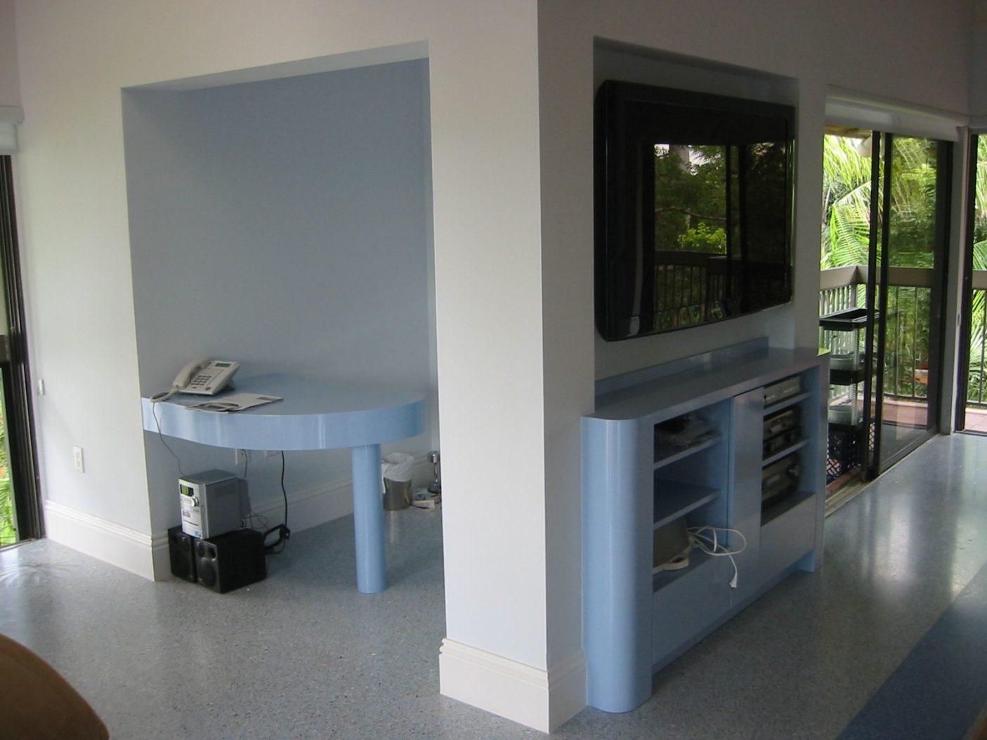 Desks-2.jpg